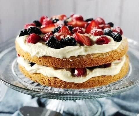 italian berry cake